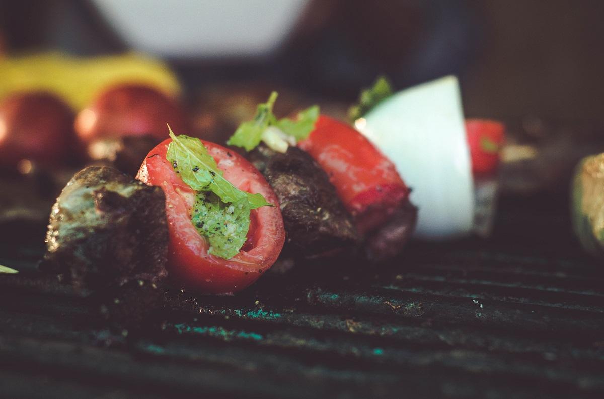 kebab-on-black-metal-grill-1566872